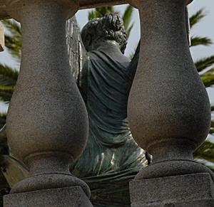 statue100_0005